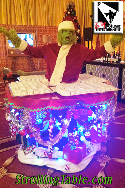 grinch strolling table