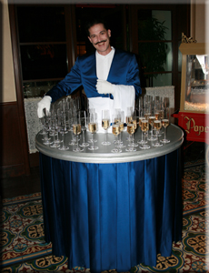 strolling_tables_champagne_Guy